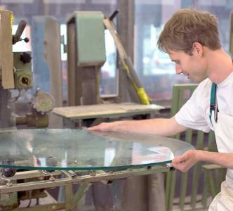 simon's glass replacement brisbane suburbs